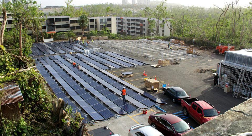 Tesla installs solar panels at Puerto Rican hospital