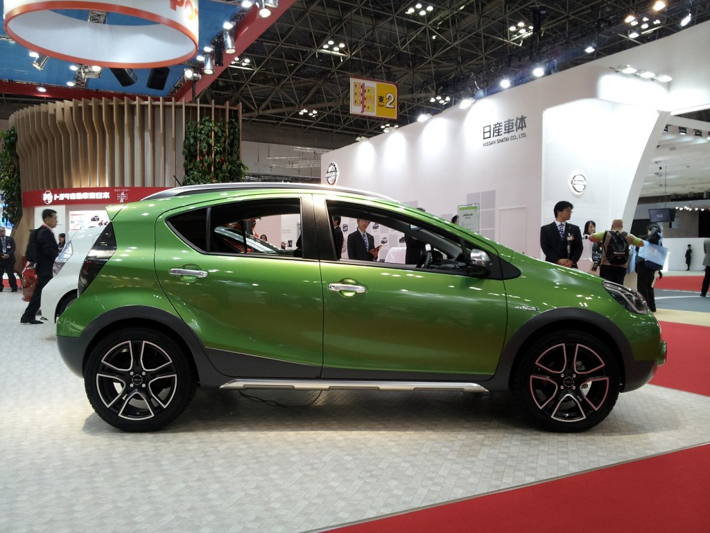 Image: Toyota Aqua Cross Concept (Prius C) at 2013 Tokyo ...