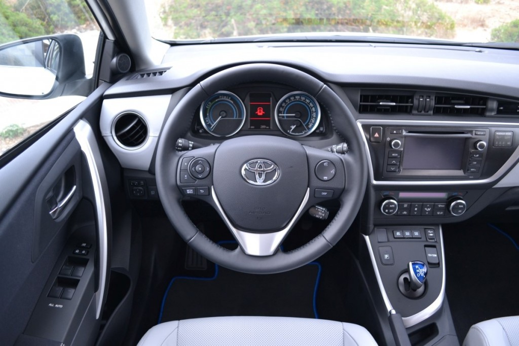 Prius Oil Change >> Image: Toyota Auris Touring Sports Hybrid first drive ...