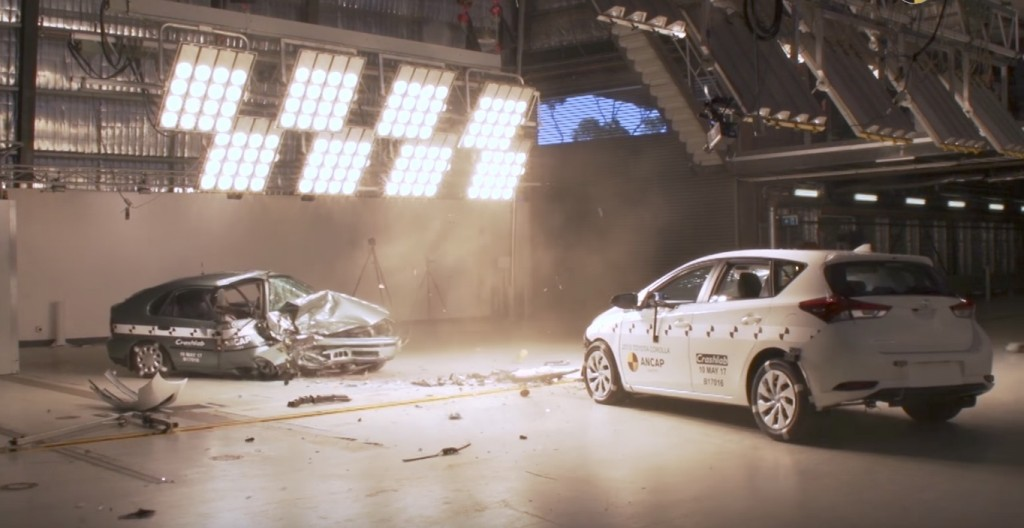 1998 and 2015 Toyota Corolla crash test