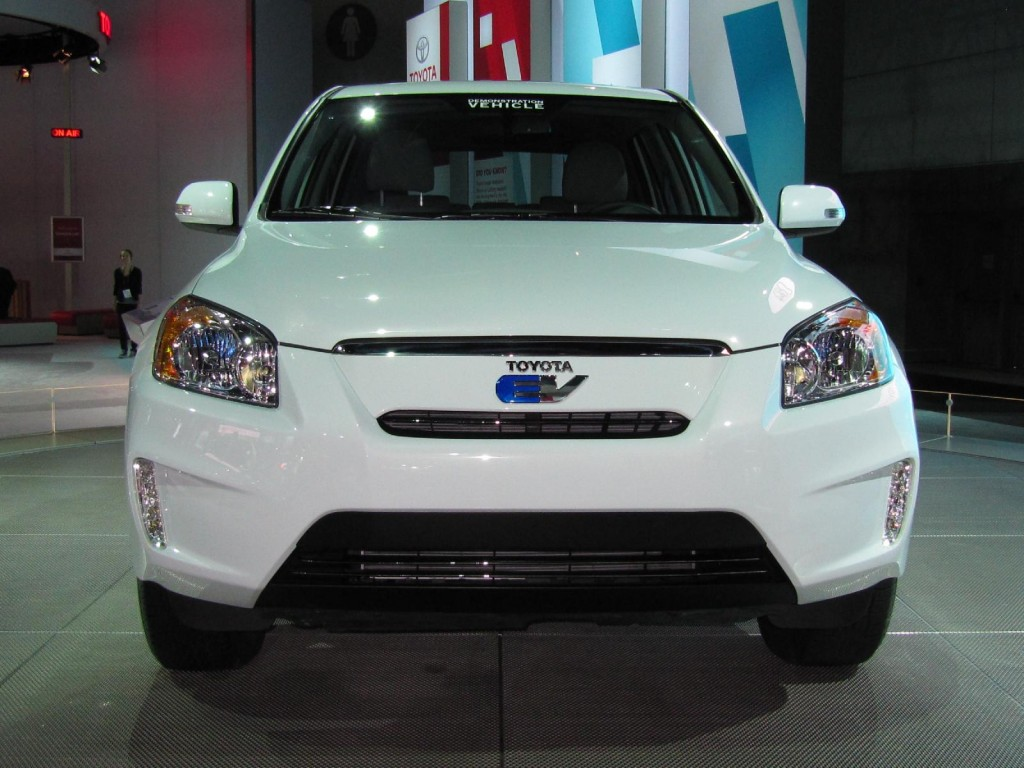 Image: 2012 Toyota RAV4 EV powered by Tesla, at 2010 Los ...