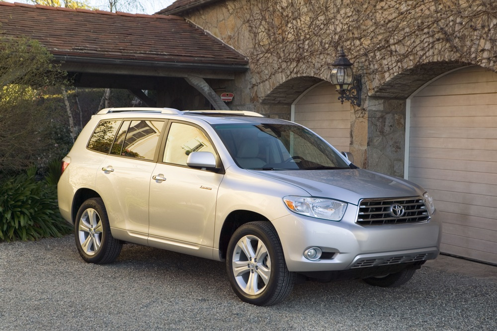 2009 toyota highlander vs kia rondo 7 seaters with great. Black Bedroom Furniture Sets. Home Design Ideas
