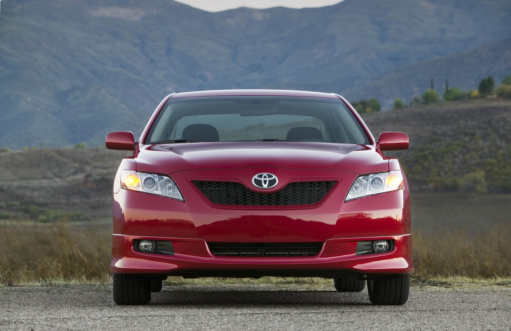 Toyota Execs Root For GM Sales Recovery