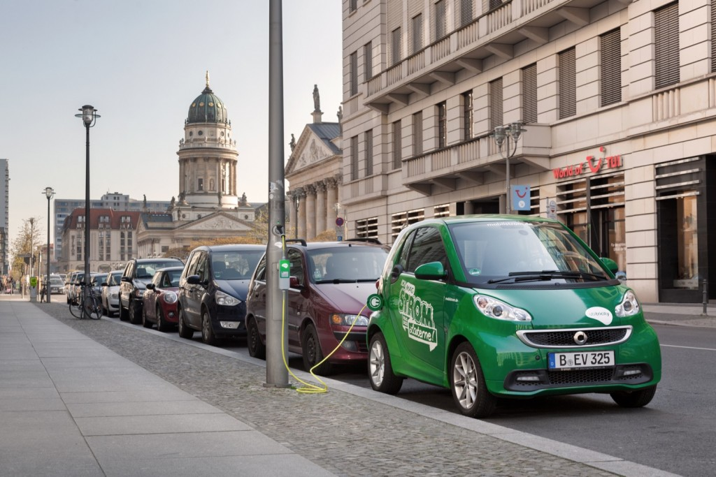 New vehicles in Britain could go all plug-in by 2035