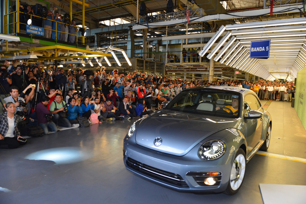 Final Volkswagen Beetle leaves assembly plant in Mexico after storied run
