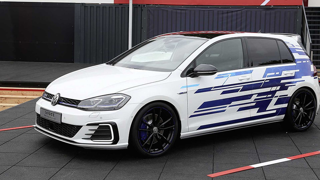 vw unveils 268 horsepower golf gte performance concept at 2017 w rthersee tour. Black Bedroom Furniture Sets. Home Design Ideas
