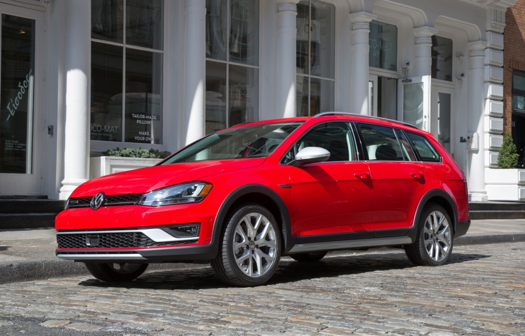Volkswagen pares down Golf lineup, SportWagen and Alltrack to die