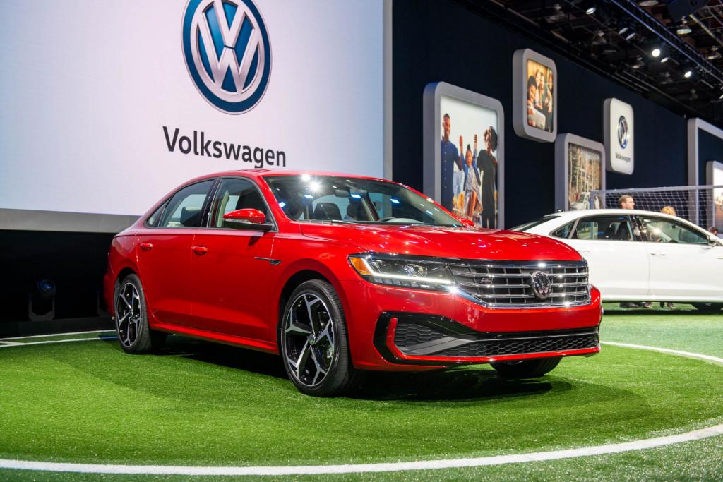 2020 Volkswagen Passat unveiled: New look, same bones for mid-size sedan