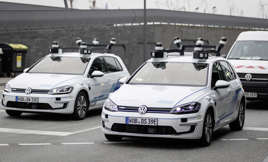 Ex-Apple exec named head of VW Group's self-driving car business