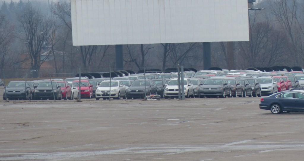 Image: Volkswagen TDI diesel cars stored at Pontiac Silverdome (Photo by Jalopnik), size: 1024 x ...