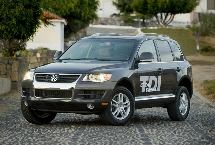 driven 2009 volkswagen touareg v6 tdi. Black Bedroom Furniture Sets. Home Design Ideas