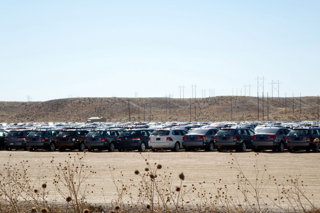 Pikes Peak Parking >> In Pictures Volkswagen Tdi Diesels Await Their Fate In Pike S Peak
