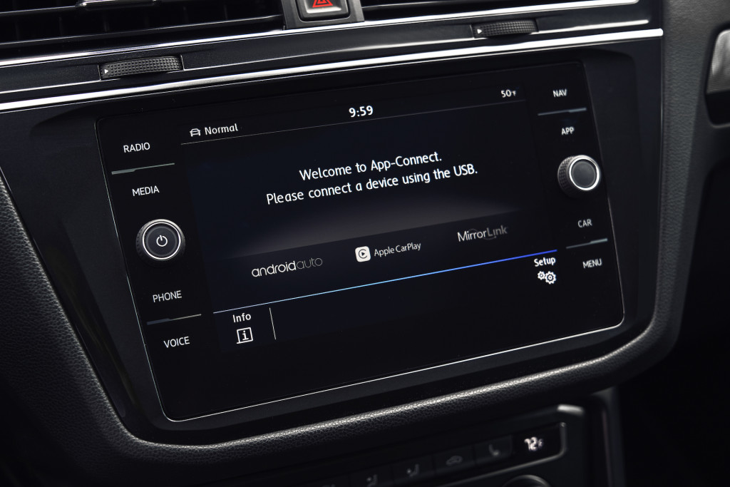 VW Car-Net Siri integration