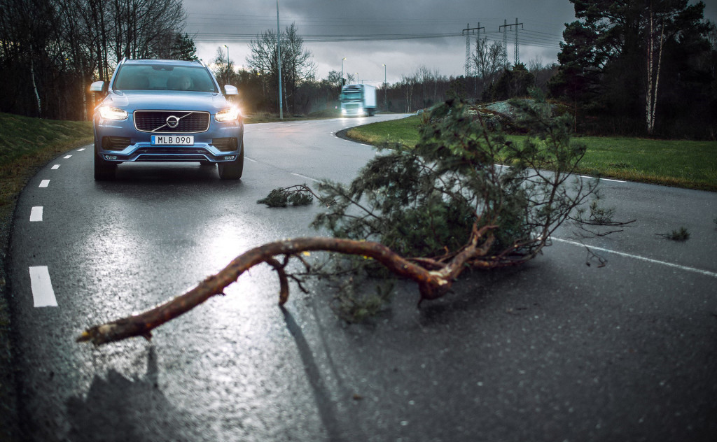 Volvo cars and trucks can now inform each other of hazards