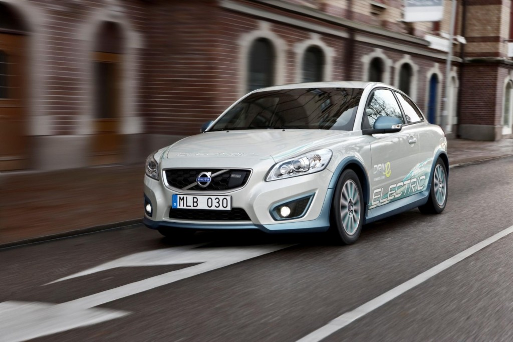 Volvo Completes Wireless Electric Car Charging Study Research