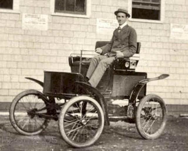 1900 New England Electric vintage car