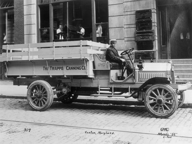 1913 GMC 2-Ton pickup truck