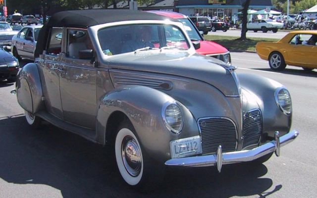 1938 Lincoln Zephyr