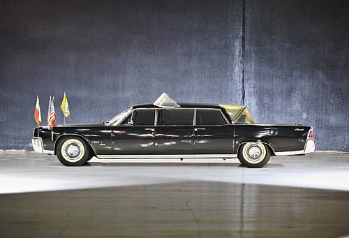 1964 Lincoln Continental Pope/Astronaut-mobile up for auction
