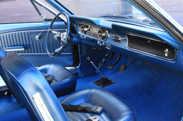 1965 Ford Mustang bearing VIN 5F07U100002