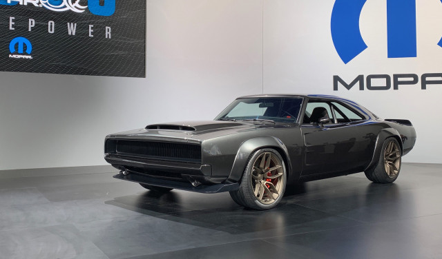 1968 Dodge Charger fitted with Hellephant 7.0-liter supercharged V-8 crate engine