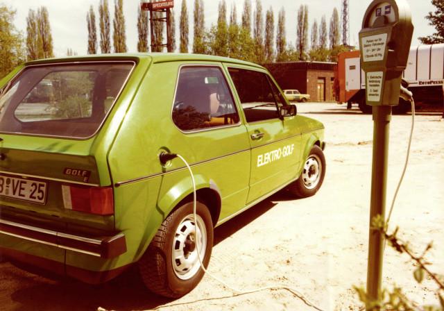 1976 Volkswagen Golf 1 Elektro, charging