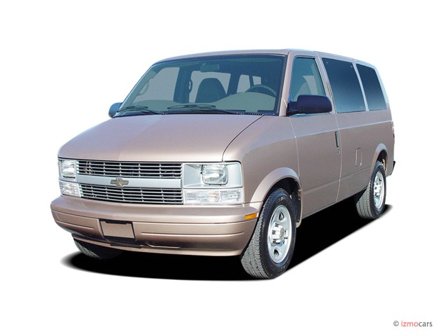 """2004 Chevrolet Astro Passenger Ext 111"""" WB RWD Angular Front Exterior View"""