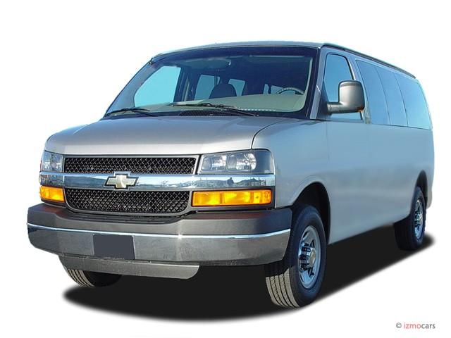 "2003 Chevrolet Express Passenger 2500 135"" WB RWD Angular Front Exterior View"