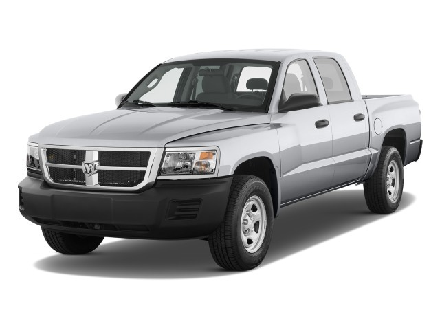 2009 Dodge Dakota 2WD Crew Cab ST Angular Front Exterior View