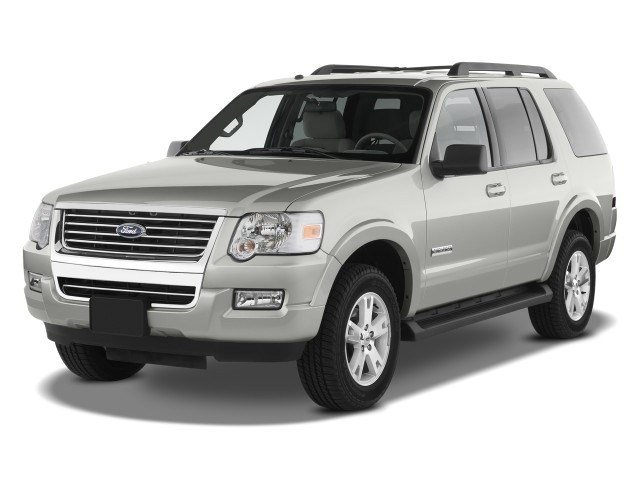 2010 Ford Explorer RWD 4-door XLT Angular Front Exterior View