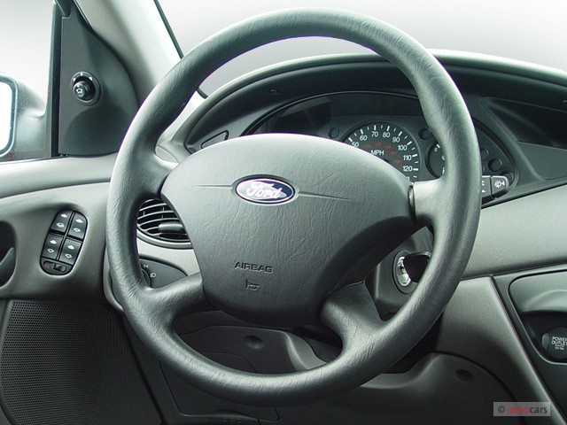 image  ford focus  door wagon se steering wheel size    type gif posted