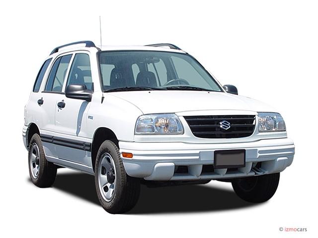 2003 Suzuki Vitara 4-door Manual 4WD Angular Front Exterior View