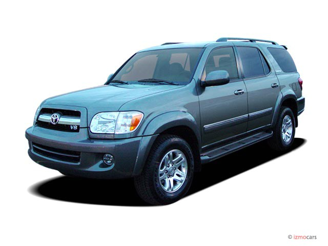 2005 Toyota Sequoia 4-door Limited (Natl) Angular Front Exterior View