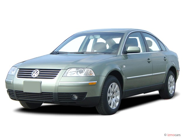 2003 Volkswagen Passat 4-door Sedan GLS Manual Angular Front Exterior View