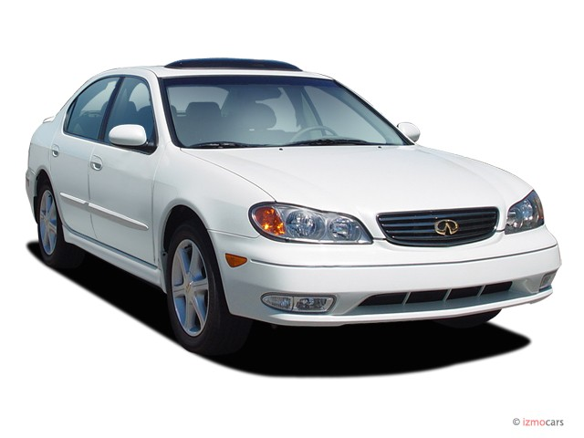 2004 Infiniti I35 4-door Sedan Luxury Angular Front Exterior View