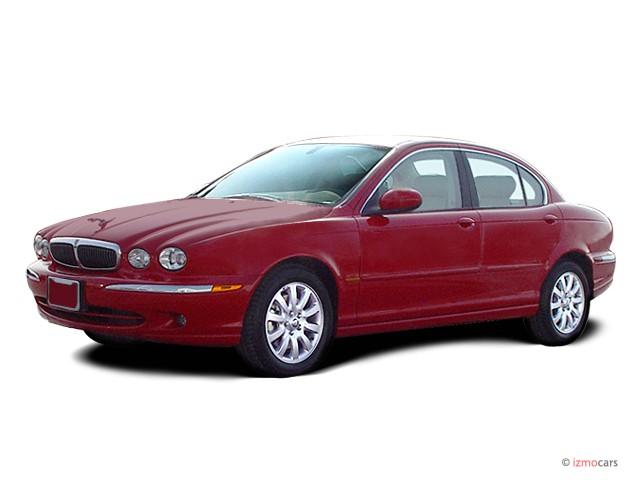 2004 Jaguar X-TYPE 4-door Sedan 2.5L Angular Front Exterior View