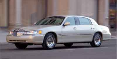 2002 Lincoln Town Car Review Ratings Specs Prices And Photos