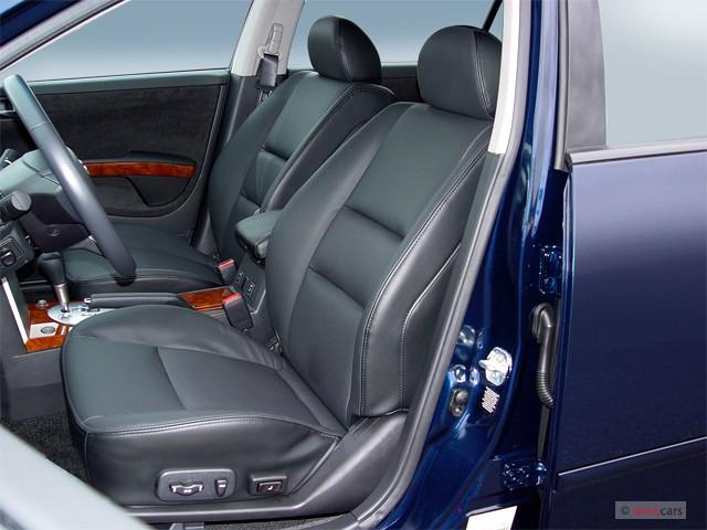 2005 Nissan Maxima 4 Door Sedan SL Auto Front Seats