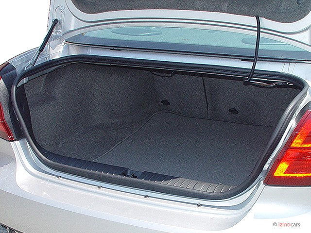 Image 2005 Pontiac Grand Prix 4 Door Sedan Gt Trunk Size