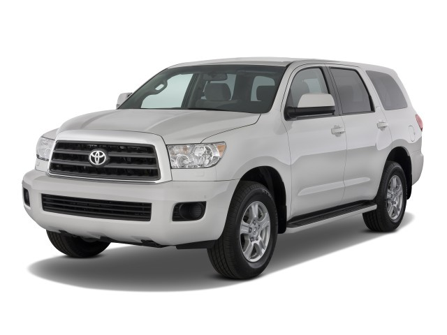 2008 Toyota Sequoia 4WD 4-door LV8 6-Spd AT SR5 (Natl) Angular Front Exterior View