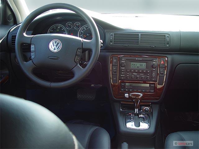 Image 2005 Volkswagen Passat Wagon 4door GLX V6 Auto Dashboard