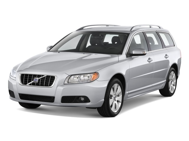 2010 Volvo V70 4-door Wagon Angular Front Exterior View