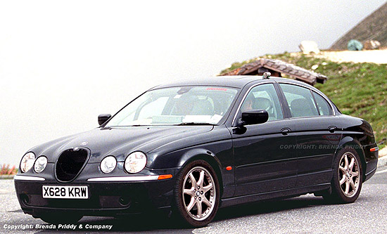 2002 Jaguar S-Type R spy shot