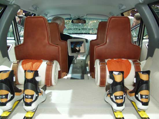 2002 Volvo Adventure Car interior concept