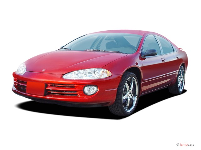 2004 Dodge Intrepid 4-door Sedan SE Angular Front Exterior View