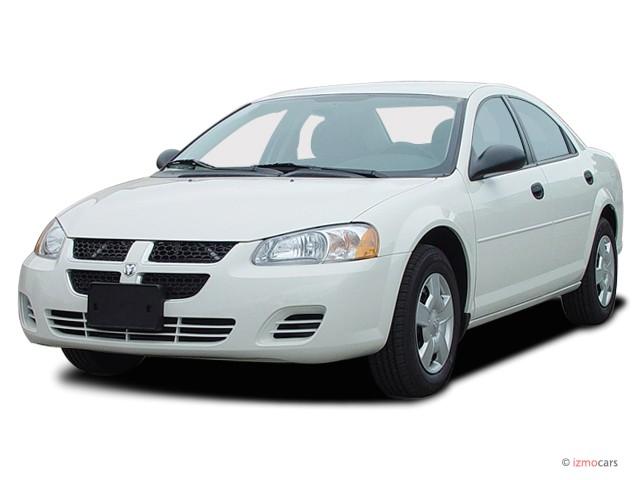 2003 Dodge Stratus 4-door Sedan SXT Angular Front Exterior View
