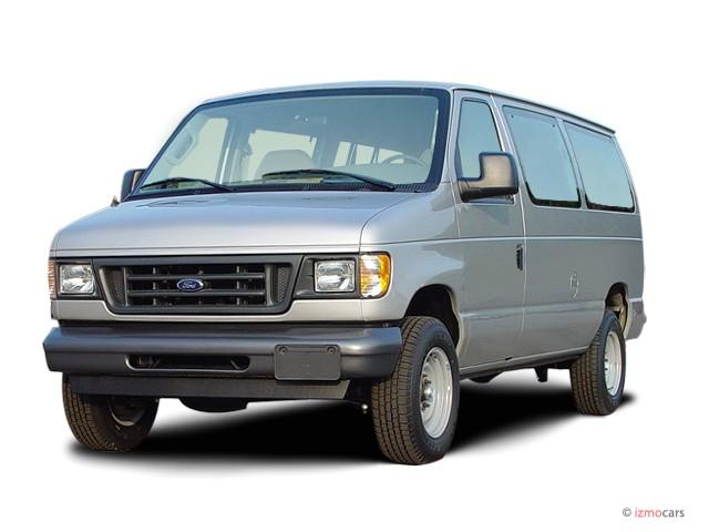 2003 Ford Econoline Wagon E-350 Super XL Angular Front Exterior View