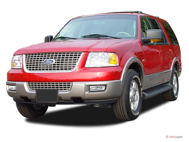 2003 Ford Expedition 4.6L Eddie Bauer Angular Front Exterior View