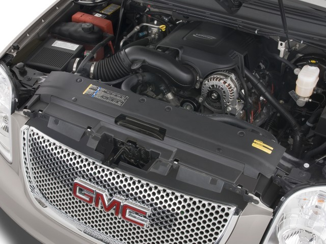 2010 GMC Yukon XL Denali 2WD 4-door 1500 Engine