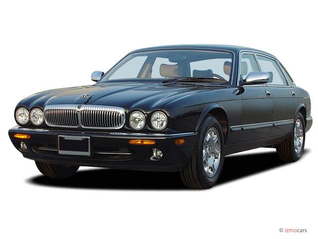 2003 Jaguar XJ 4-door Sedan VDP Angular Front Exterior View
